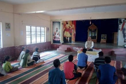 yoga-retreat-at-kallubalu-2019